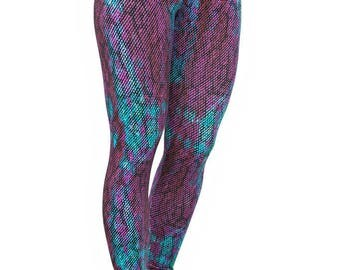 Trailline Nature In Colourful Snake Print Tights
