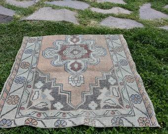 Free Shipping! 2.9x3.1 ft Vintage Rug Vintage Turkish Rug Handmade Turkish Rug Small Rug  Vintage Area Rug Turkish Carpet H-266