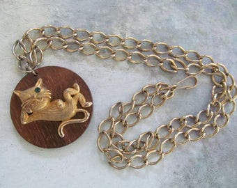 Vintage CAMPUS JR. c. '61 Cat Pendant on Wood with Chain