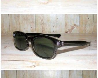 Vintage 90s deadstock slim wayfarer sunglasses black frame/grey lense (SG09)