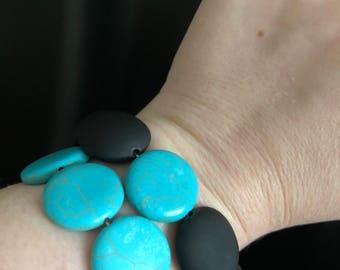 Medium turquoise beaded bracelet