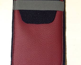 Cell phone cover / Handttasche from felt and faux leather - dimensions: 8, 5 cm x 14 cm
