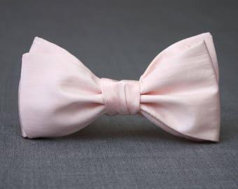 Mens bowtie Light pink 100%Natural Pure silk men's self tie bow tie Self Tied bow tie Camellucci 251s