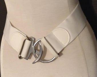 Mod retro vintage belt, soft elastic with leatherette trim, 1980's, white with silvertone hardware