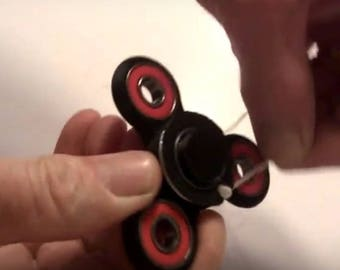 NEW!  Super Fast Pull String Hand Spinner