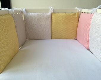 Round bed pillow 6 theme Claudette