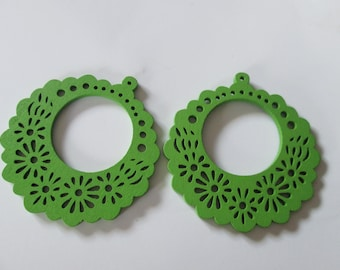 prints 2 wood flowers, green 57 mm wood beads