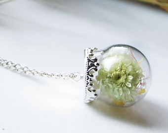 Baby breath necklace, Immortelle Terrarium Jewelry, Real Flower Necklace, Botanical Jewelry, Glass Bottle Pendant, Dried flower necklace