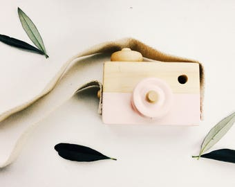 Wooden toy camera/ wooden toys/ Scandinavian/Softpink