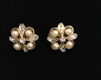 CROWN TRIFARI  Faux Pearl  Earrings