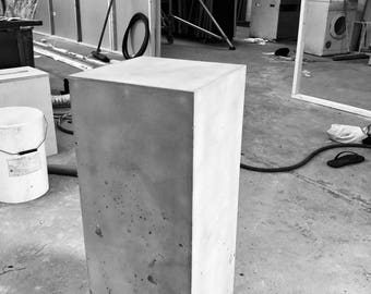 Concrete display plinth
