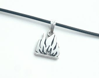 Flame faux leather necklace