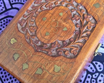 Ancient Thai handicraft wooden box / / Vintage Thai wooden box