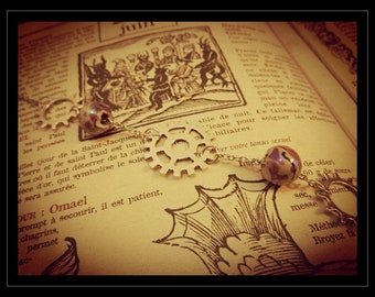 Steampunk bracelet Vintage woman gear clockwork details and Pearl silver ethnic jewelry and accessory