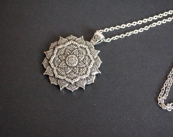 silver tone mandala necklace