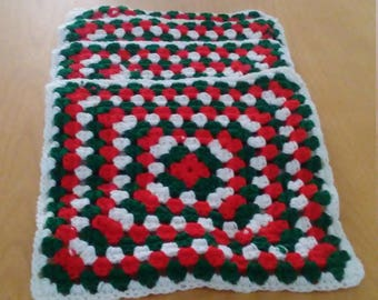 red, green and white placemats