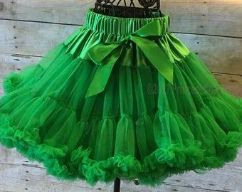Green Pettiskirt, Girl Green Tutu, Green Skirt, Ruffled Skirt, toddler pettiskirt, Girl Dance Wear, Christmas Skirt