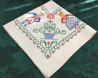 Vintage Hand Crafted Linen Tablecloth Embroidered Penna Dutch Man Woman TC27