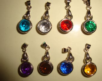 Necklace colors Astrology mounted on a silver chain