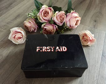 Vintage First Aid Tin / Box Ministry of Transport