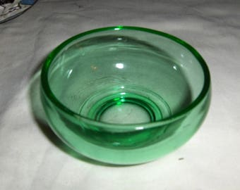 """unknown maker or pattern 4"""" - 6"""" green glass bowl"""