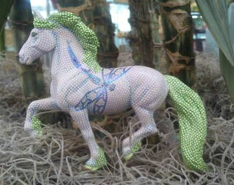 Delightful Stippled Breyer's Stablemate, Fantasy Colors & Dragonflies