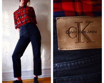 Vintage mom jeans // Calvin Klein high rise // black denim jeans