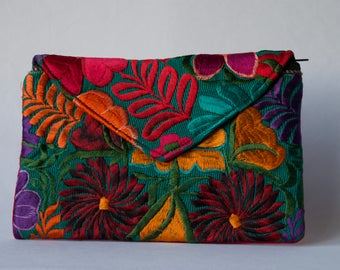 Green Hand-embroidered Clutch Purse