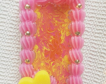 iPhone 7 Psychidellic Pink and Yellow Case