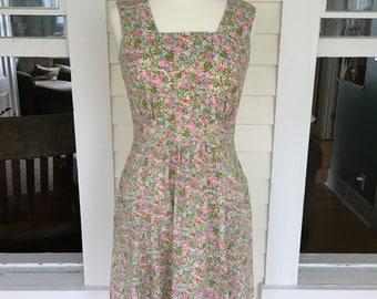 1970's Pink Calico Dress w/Pockets