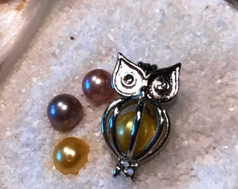 Silver plated owl pendant
