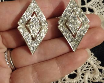 Vintage! Parisienne Nights!! Sara Coventry diamond shaped rhinestone clip on Earrings! Perfect condition!