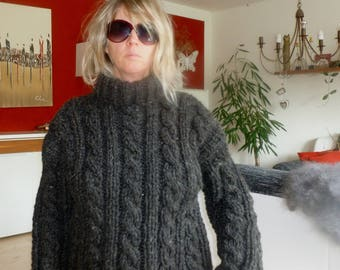 Non mohair wool pullover sweater