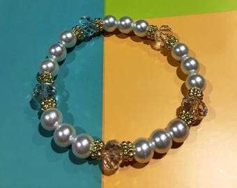 Beautiful White Pearl/w Large Clear Crystal Bracelet