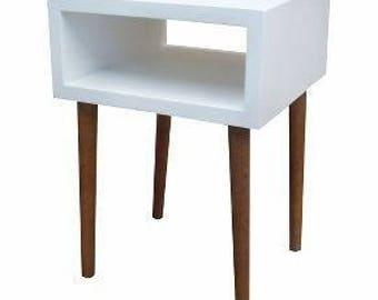 Mid-century modern wood side table/nightstand