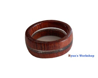 Red Cedar Ring With Clear Acrylic Window Wooden Jewellery
