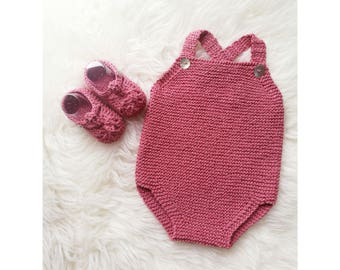 Old Pink baby set. Baby and shoes hand knitted. Baby Frog. Crochet. Break baby. Baby shower