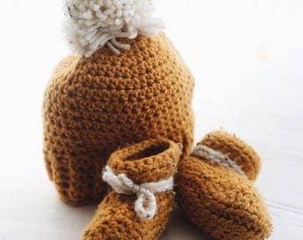 Crochet Baby Booties - Mustard w/ White Ties
