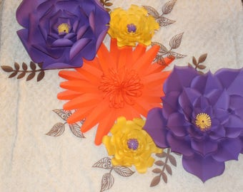 Set of 5 paper flowers with 8 free leaves