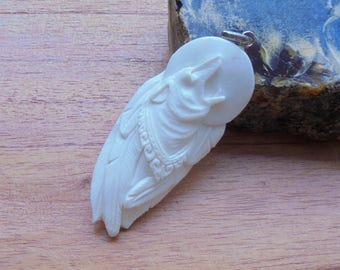 Hand Carved Moon Howling Wolf Bone Pendant Bali Bone Carving P58