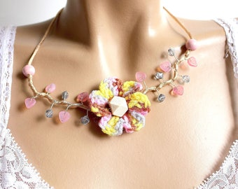 Beads crocheted wool flower branch necklace