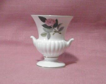 Wedgwood, vase -rose-/Hathaway rose/1959 - 1987/ porcelain/China/British