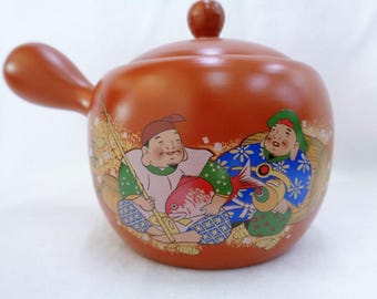 VJ63 : Japanese Banko-Yaki pottery kyusu teapot with Ebisu and Daikoku lucky gods