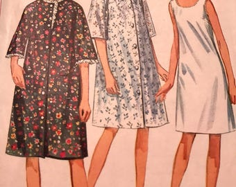 Vintage 1960's Slip and Housecoat/Robe Pattern---Simplicity 6851---Size 16  Bust 36