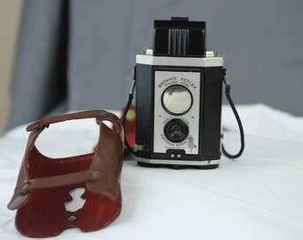 Kodak Brownie Syncro TLR, 127mm film, case, 1940's