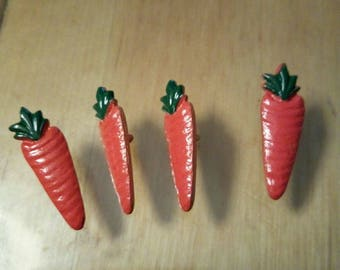 set of four buttons form carrot orange and green metal, new, 3 cm