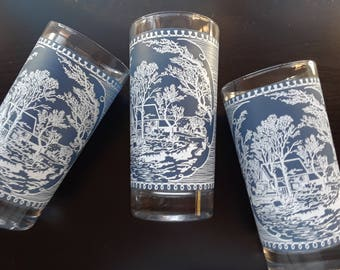 Currier and Ives Large Glass Tumblers // Set of 4, 12 oz Old Grist Mill design// Blue White Vintage Glassware