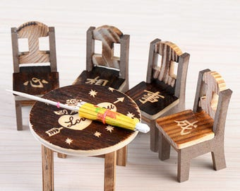 MINIATURE wooden: 4 chairs and 1 table height 6 and 5cm (2 model)