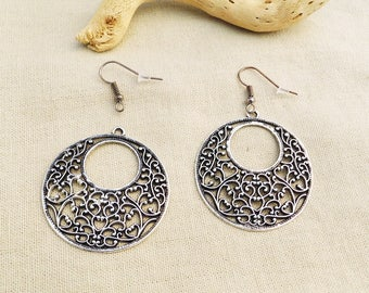Kit encircled heart filigree earrings - silver black A22253