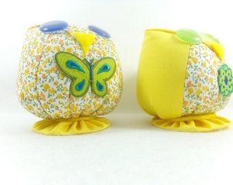 Destash price tag 19.90euro Couple of owls with flowers and yellow fabrics. Decorative figurine.